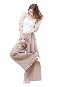 Льняные брюки бежевые