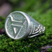 Перстень Велес