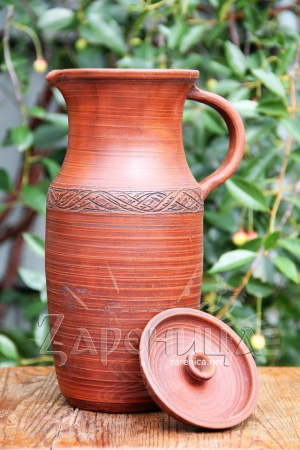 Глиняный кувшин для воды,