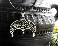 Оберег Цветок Папоротника в Луннице с камнями